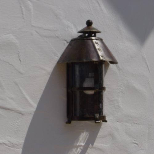 Heuweiler Gartenanlage Elektroinstallation Elektrotechnik Lichttechnik Brinkmann Mikosch Freiburg Gundelfingen Außenbereich Leuchte Lampe