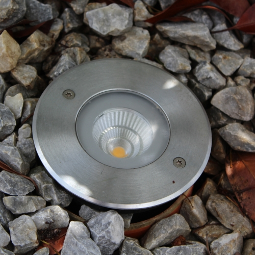 Außenanlage Garten Außenleuchten Außenlampen Gundelfingen Sanierung Elektrotechnik Brinkmann Mikosch Freiburg Strahler Gartenstrahler