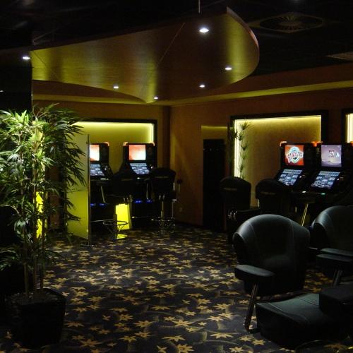 Leuchten Strahler Einbaustrahler Deckenstrahler Lichtleiste LED-Technik indirekte Beleuchtung Brinkmann Mikosch Elektrotechnik Lichttechnik Gundelfingen Megapark Casino Freiburg