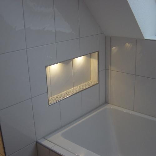 Duschanlage Akzentbeleuchtung Strahler Gundelfingen Sanierung Elektrotechnik Brinkmann Mikosch Freiburg